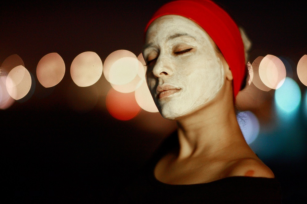 маска за лице с хума и розова вода